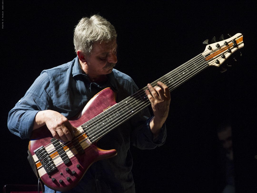 Ares tavolazzi playing biarnel akmè bass