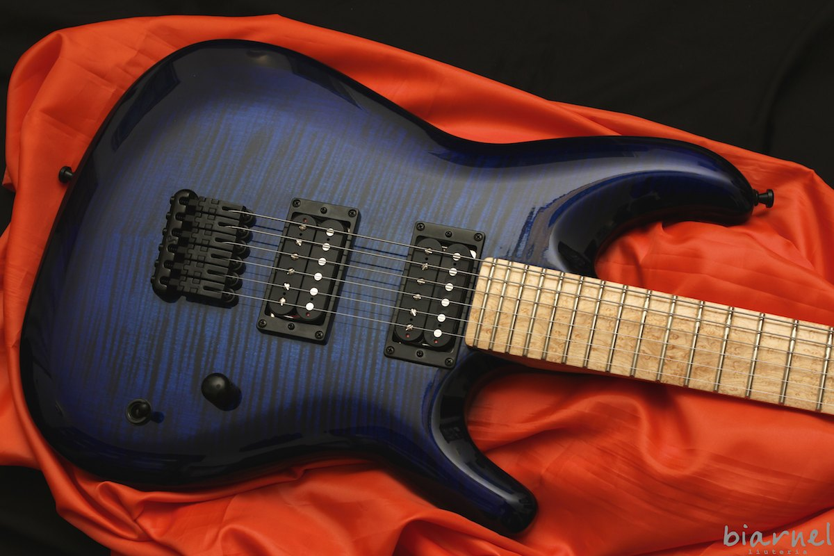 Biarnel Liuteria Ybris handmade guitar